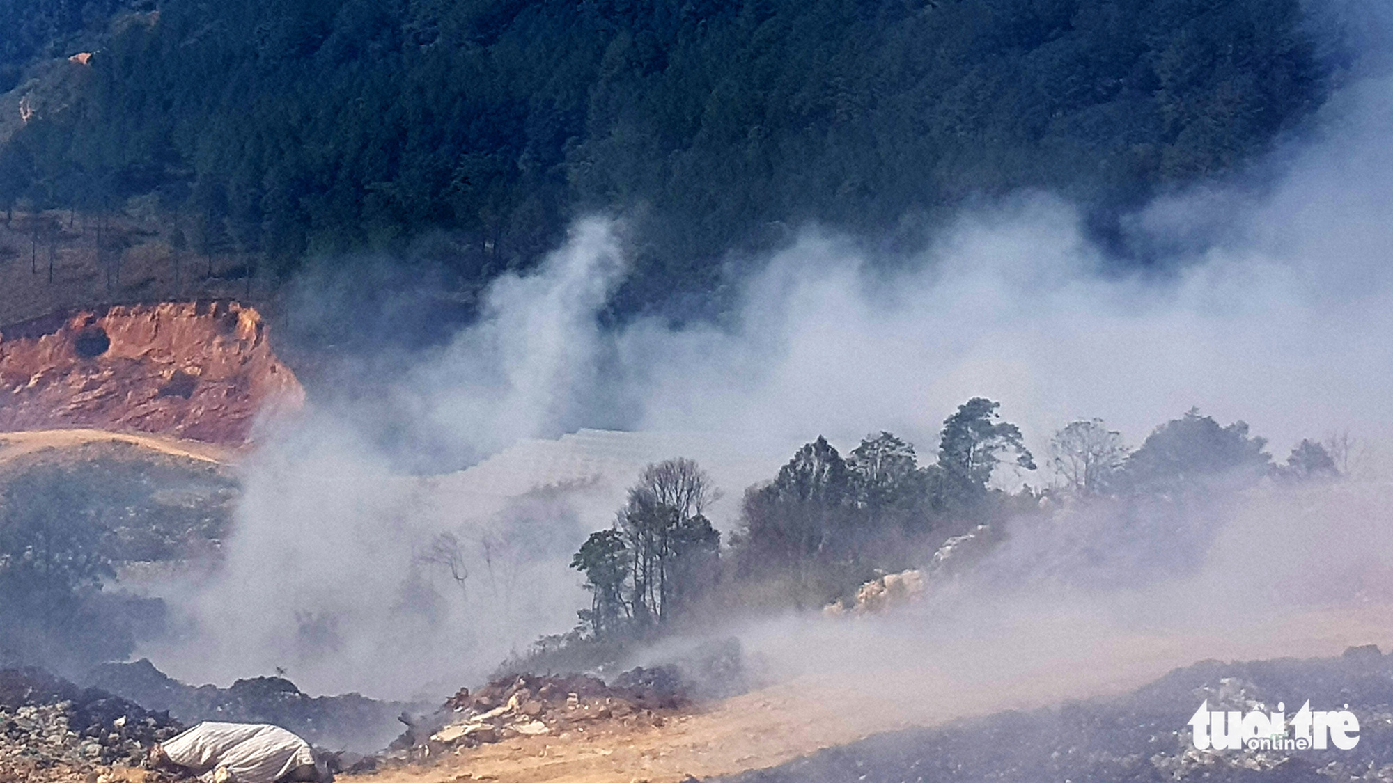 Major landfill smolders for days in Da Lat