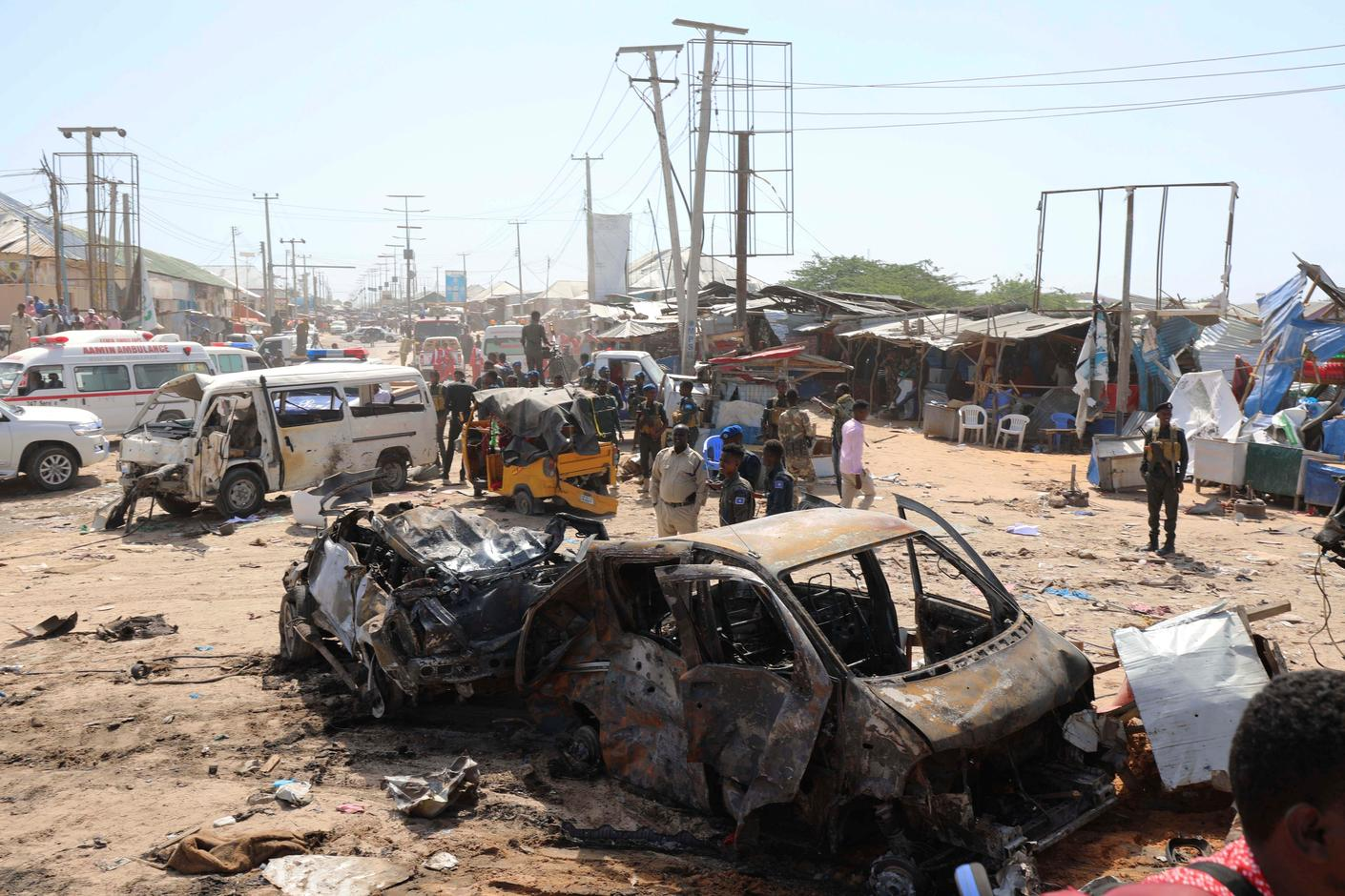 Truck bomb kills at least 90 in Mogadishu: international organization