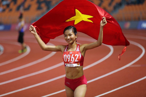 Female runner beats household names to become Vietnam' 2019 Athlete of the Year