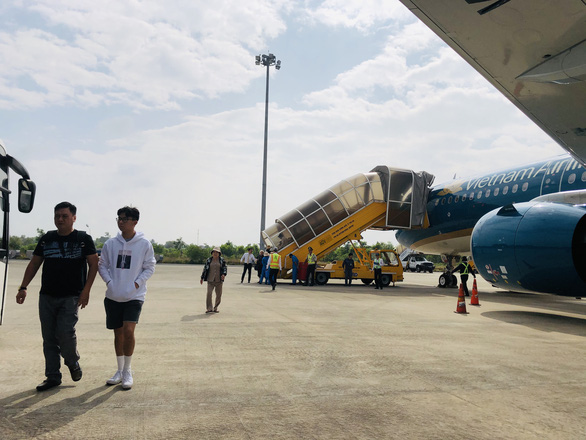 Vietnam Airlines flight attendant caught smuggling goods from Japan to Ho Chi Minh City