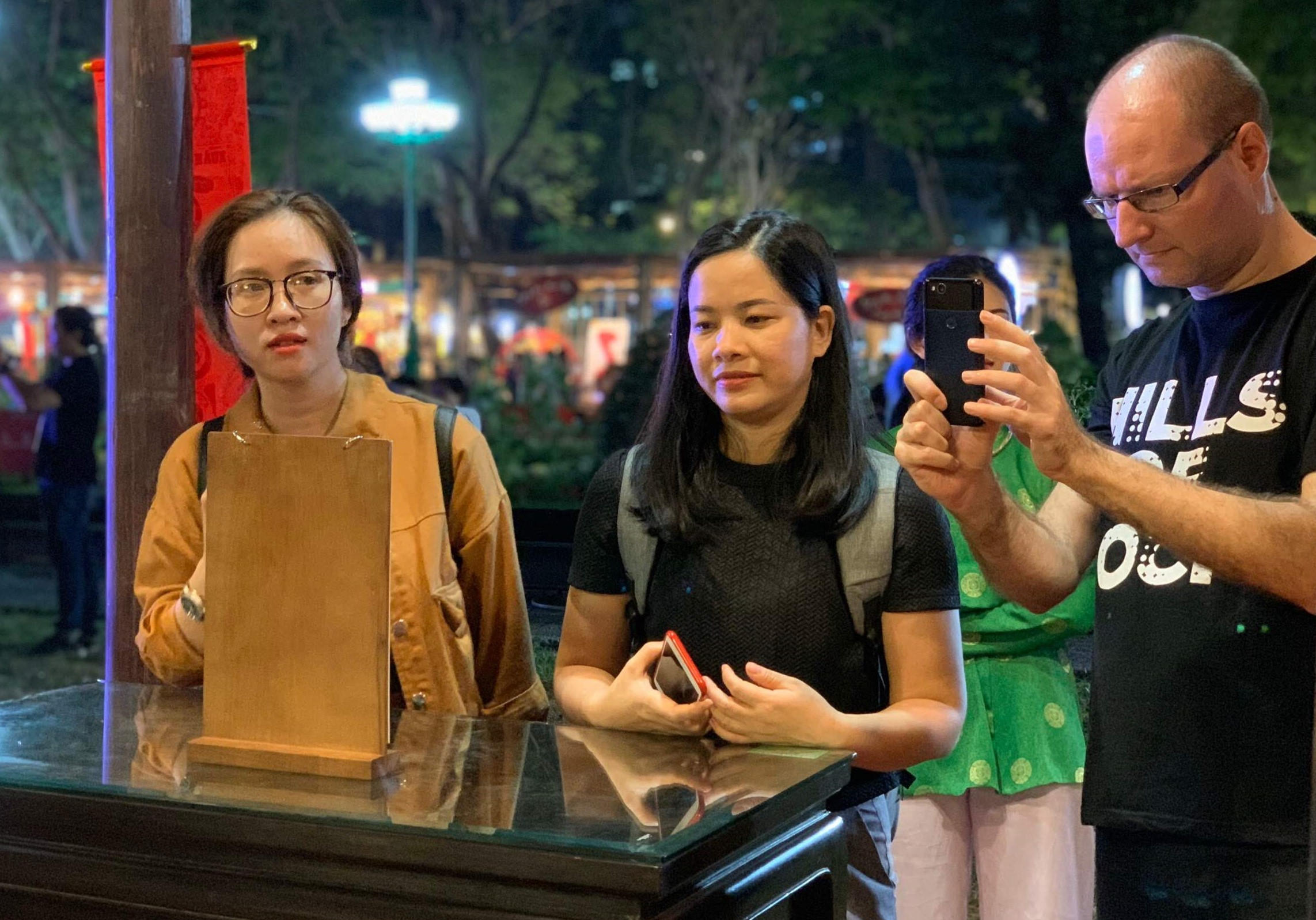 Bulgarian Hristo Ganev and his Vietnamese friends at the Tet Festival 2020 at Le Van Tam Park in Ho Chi Minh City's District 1 on January 3, 2020. Photo: Tuoi Tre News/ Bao Anh