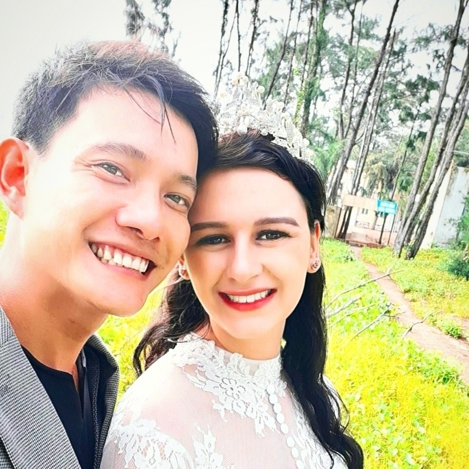 Rachel Louise Soubra and Vietnamese husband Quach Trong Trung are seen in a photo she provided Tuoi Tre News