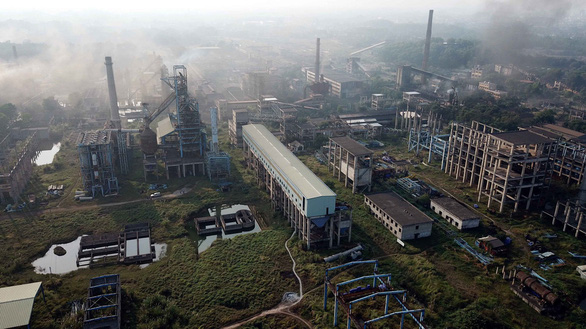 The phase two of a project to expand production at state-run Thai Nguyen Iron and Steel Joint Stock Corporation in Thai Nguyen Province, northern Vietnam. Photo: Nam Tran / Tuoi Tre