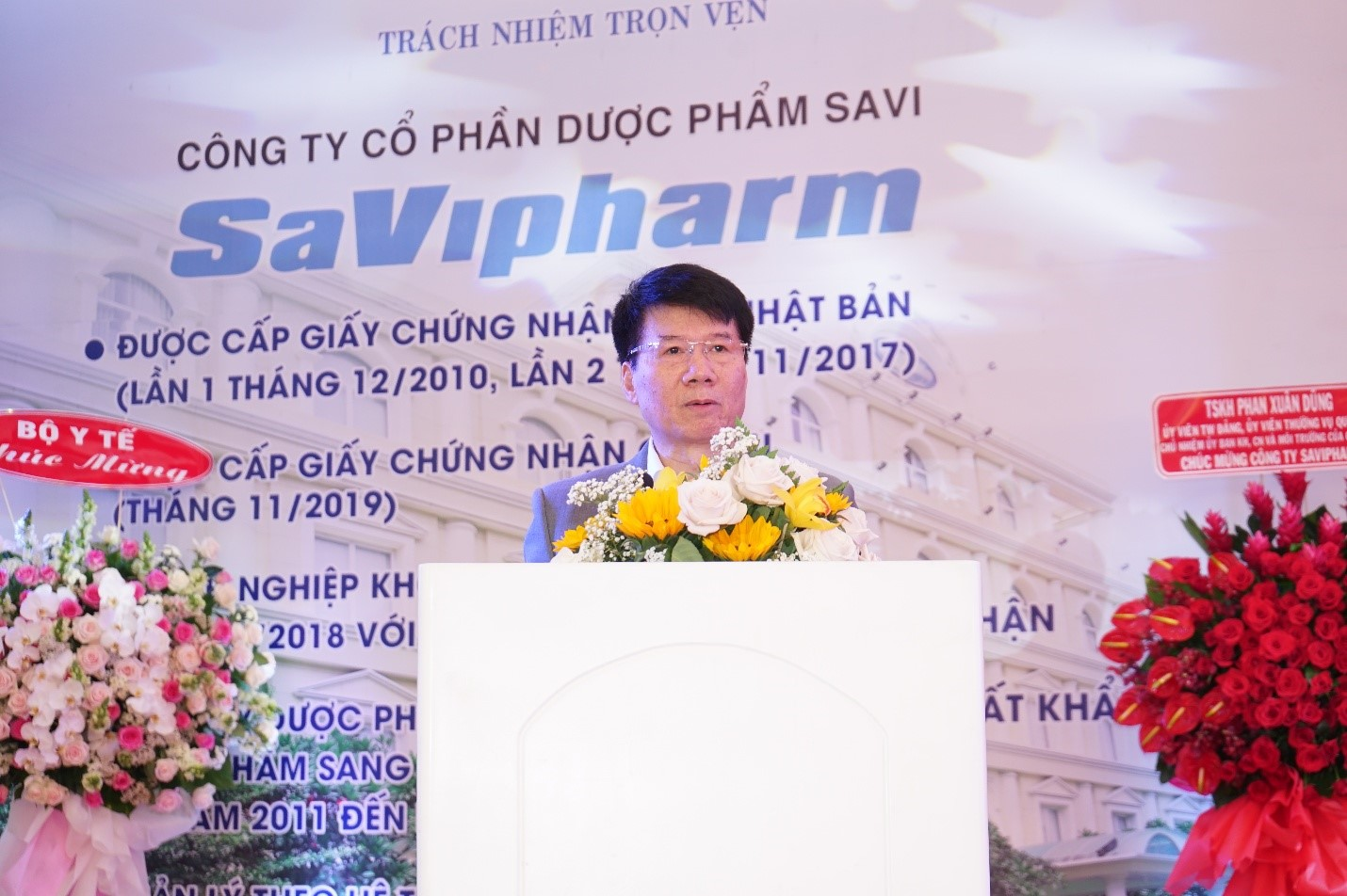 Dr. Truong Quoc Cuong, Deputy Minister of Health, speaks speaks at a ceremony granting SaVipharm an EU Good Manufacturing Practice certificate in Ho Chi Minh City on January 7, 2020. Photo: SaVipharm
