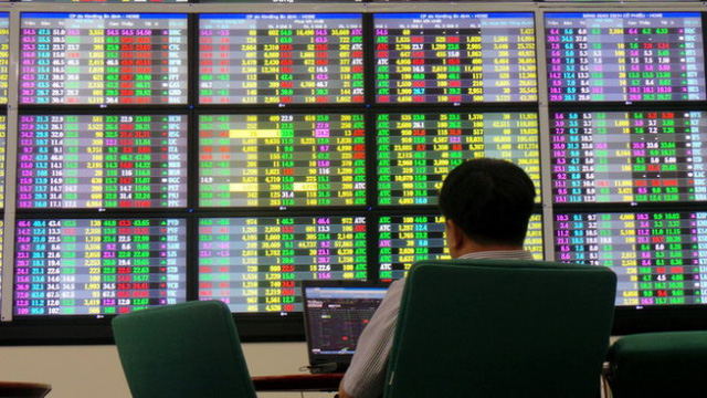 SE Asia Stocks-Most edge higher on caution ahead of U.S. non-farm payroll data