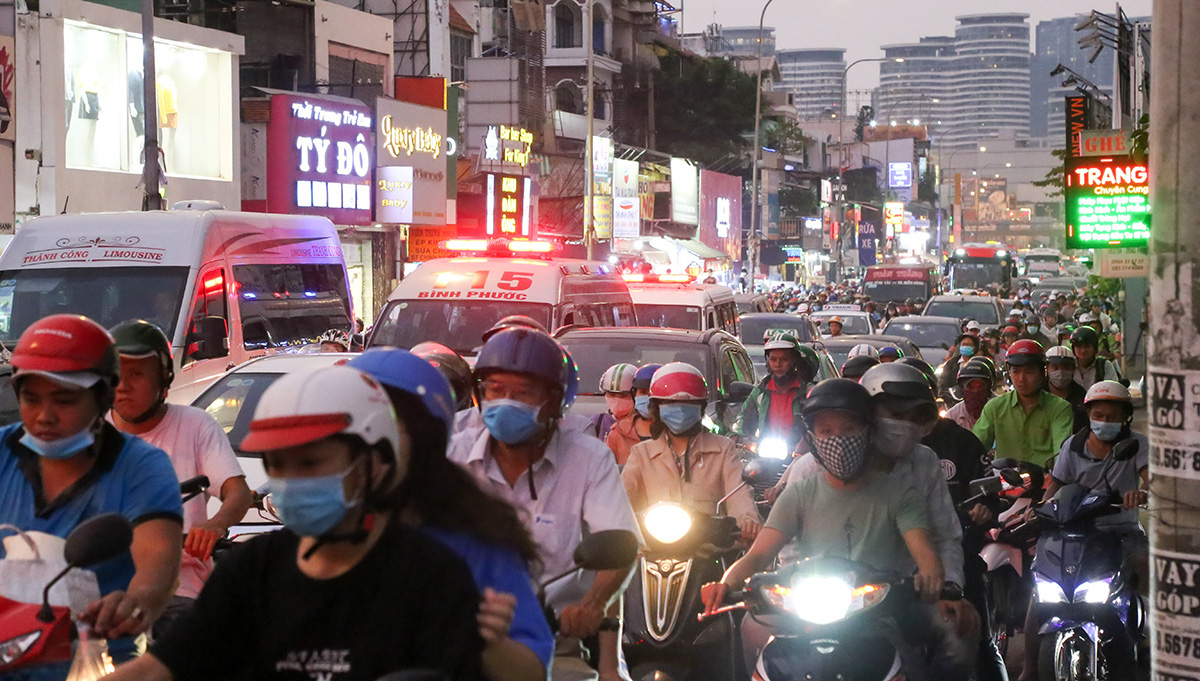 Traffic jams worsen in Ho Chi Minh City ahead of Tet holiday