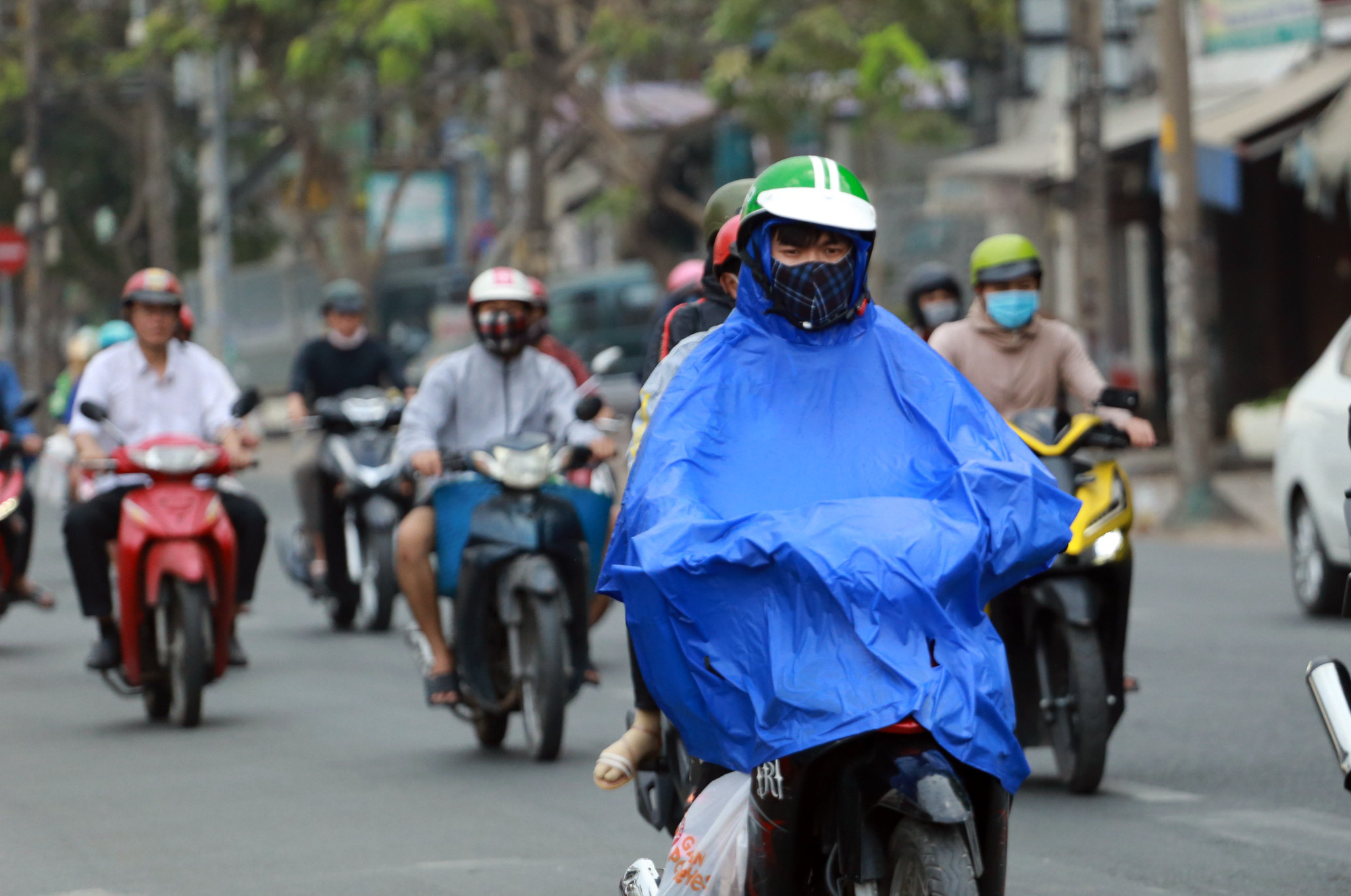 Cold spell to bring low temperature, unseasonal rain to southern Vietnam this week