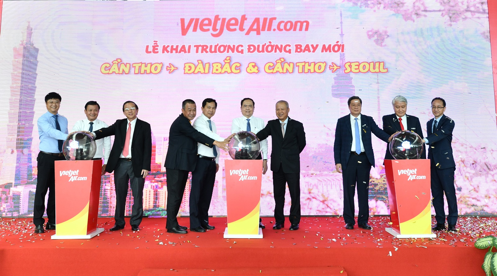 Vietjet operates flights connecting Can Tho with Seoul, Taipei
