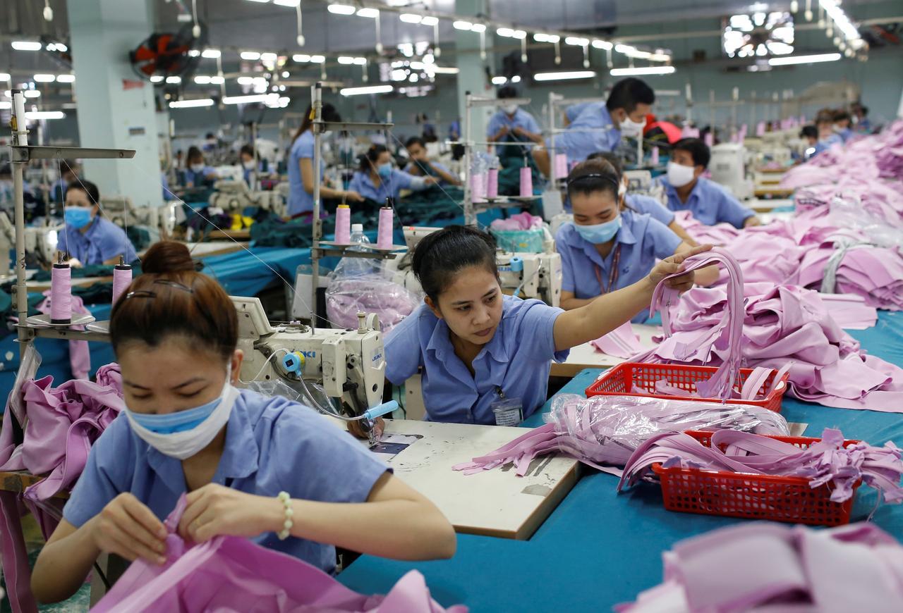Vietnam 2019 trade surplus $11.12 billion, beating $9.94 billion forecast: customs