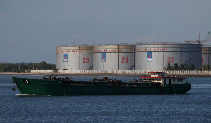 Vietnam 2019 net crude oil imports 3.64 mln tonnes vs 1.3 mln tonnes in 2018: customs