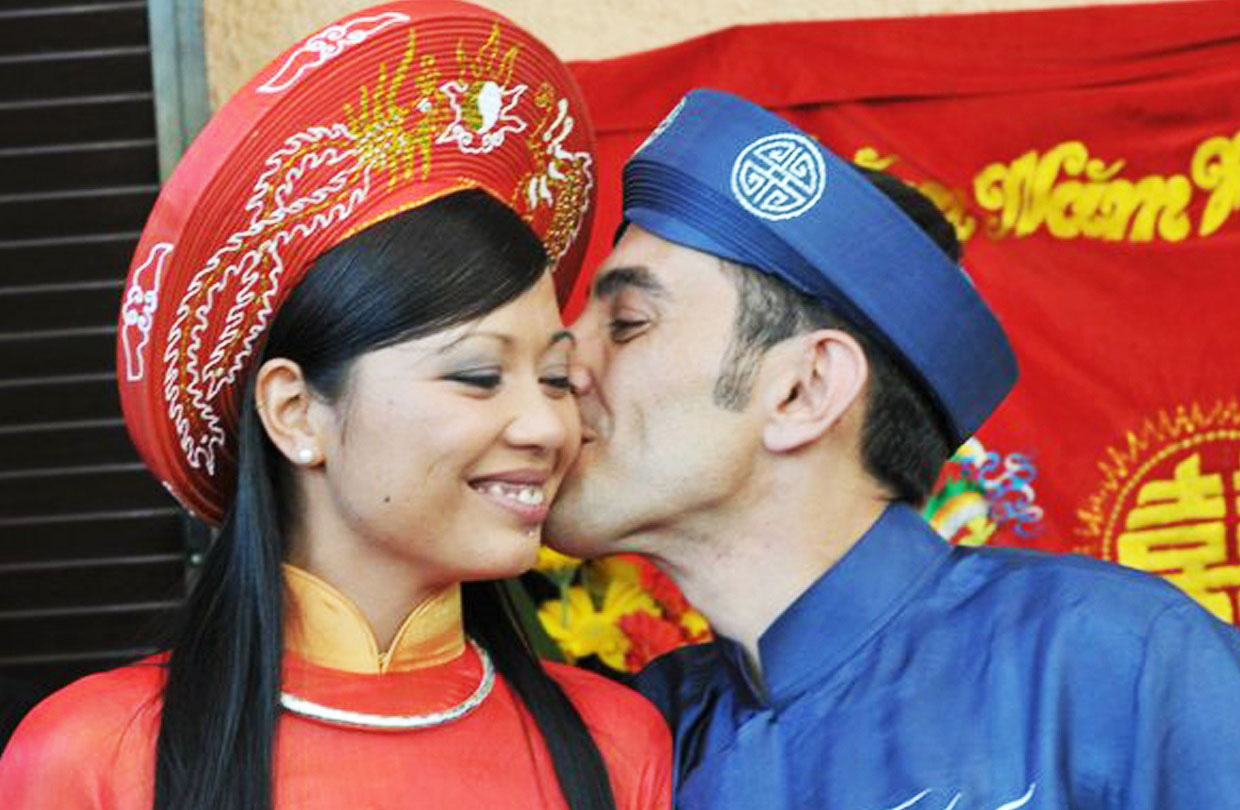 Love brings Italian archeologist, wife to Hoi An in Vietnam