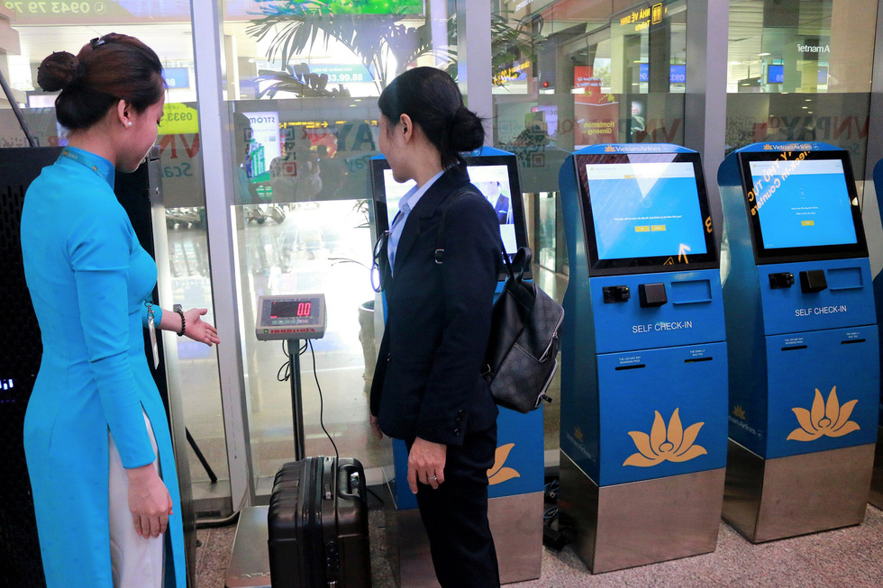 Vietnam Airlines launches self-tag service at 4 airports