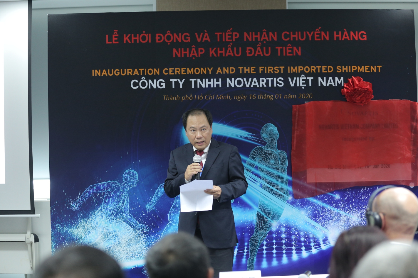 Dr. Nguyen Hoai Nam, deputy director of the Ho Chi Minh City Department of Health, speaks at the inauguration ceremony in Ho Chi Minh City on January 16, 2020.