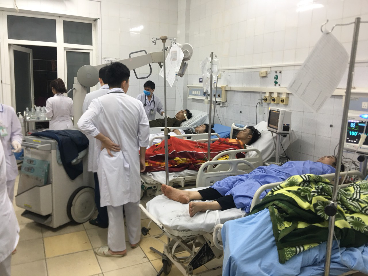 The victims are being treated at Thanh Hoa Province General Hospital. Photo: Ha Dong / Tuoi Tre