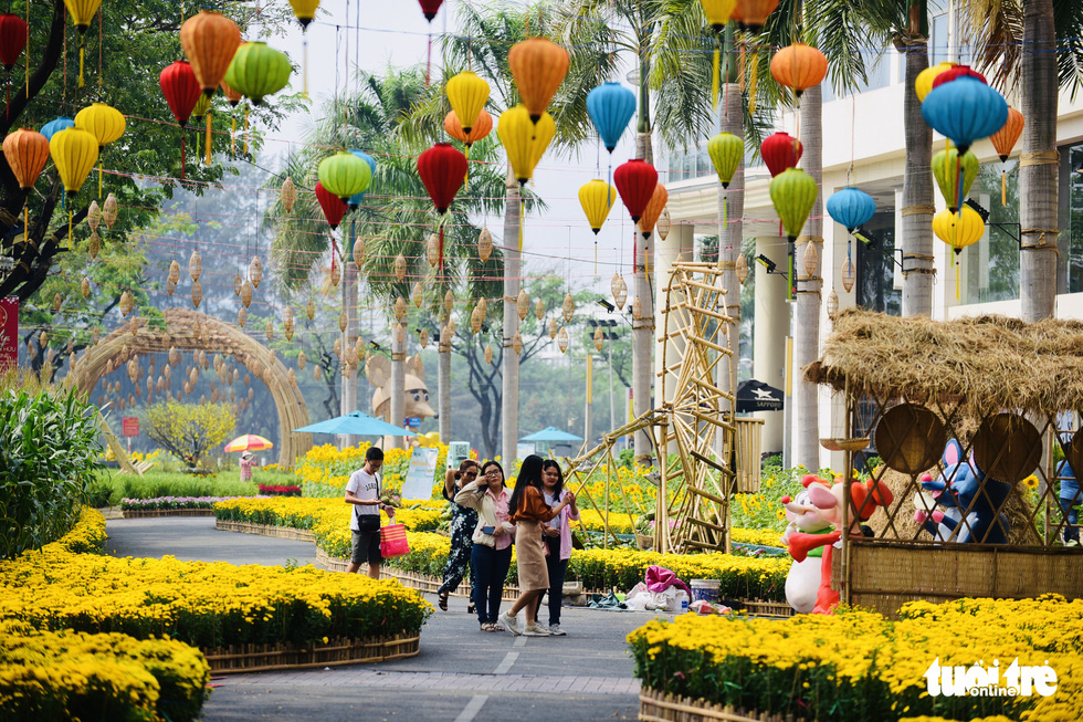 Spring flowers festival returns to expats-packed neighborhood in Ho Chi Minh City