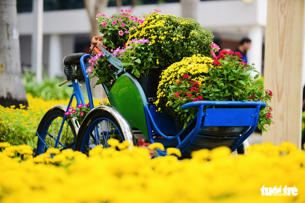 A flowery corner of the spring flower festival in Phu My Hung, District 7, Ho Chi Minh City. Photo: Quang Dinh / Tuoi Tre