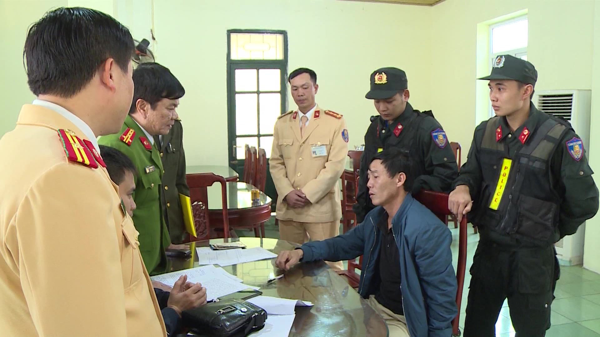 Vietnam arrests duo transporting narcotics sourced from Laos