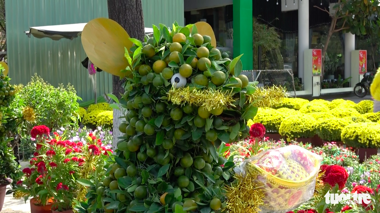 Rat-shaped kumquat bonsai trees are up for sale in Quy Nhon City, Binh Dinh Province, Vietnam. Photo: Thai Thinh / Tuoi Tre
