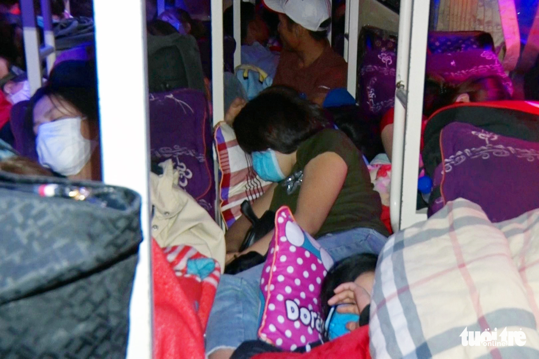 Nearly 100 packed inside sleeper bus in Vietnam's Tet migration madness
