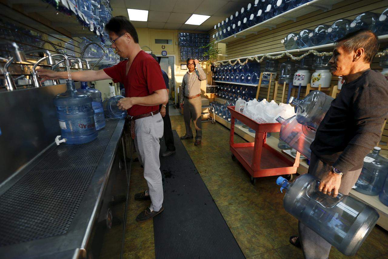 U.S. drinking water widely contaminated with 'forever chemicals': environment watchdog