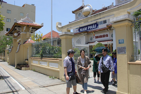 52 of 218 tourists visiting Da Nang from coronavirus-hit Wuhan return to China