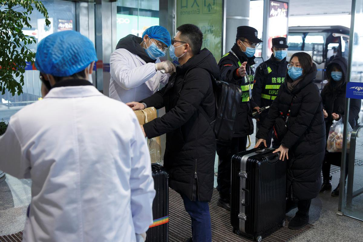 Confusion as WHO corrects China virus global risk level