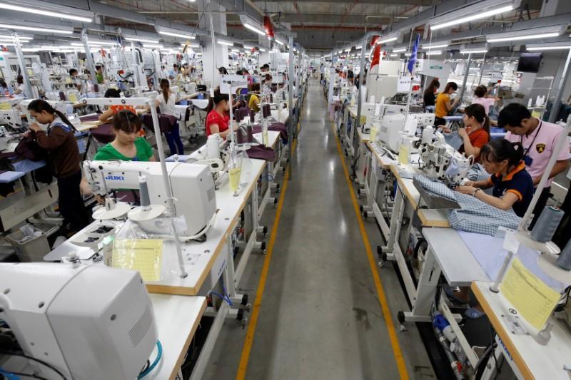Vietnam-China Jan trade plummets on new year holiday, virus
