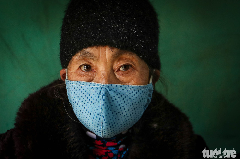 A woman in quarantine for the novel coronavirus at the Military School of Lao Cai Province in northern Vietnam. Photo: Nguyen Khanh / Tuoi Tre