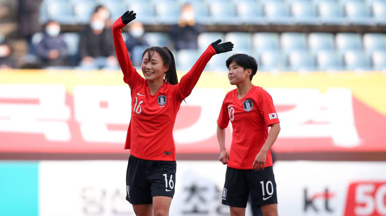 South Korean players celebrate a goal at their final Group A match against Vietnam in women's football third qualifying round for the Tokyo Olympics 2020 in South Korea, February 9, 2020. Photo: AFC