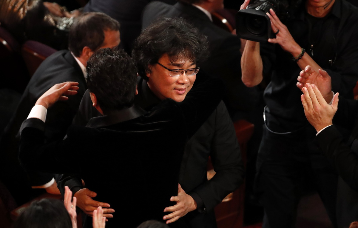 Bong Joon-ho wins the Oscar for Best Picture for 'Parasite' at the 92nd Academy Awards in Hollywood, Los Angeles, California, U.S., February 9, 2020. Photo: Reuters