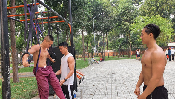 Vietnamese six-packed boys 'a sight for sore eyes' in Saigon park