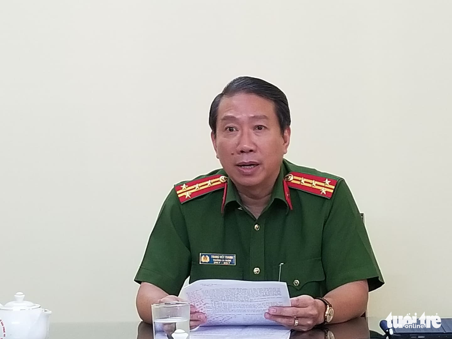 Colonel Trang Viet Thanh, chief of the police unit in District 9, speaks to the press regarding a child abuse case on February 11, 2020. Photo: Chau Tuan / Tuoi Tre