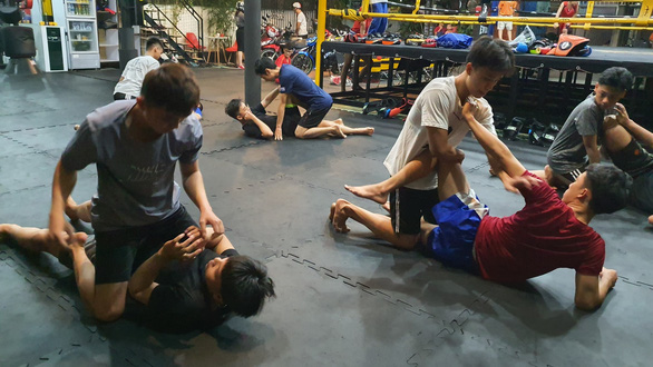 Ho Chi Minh City youth attracted to mixed martial arts