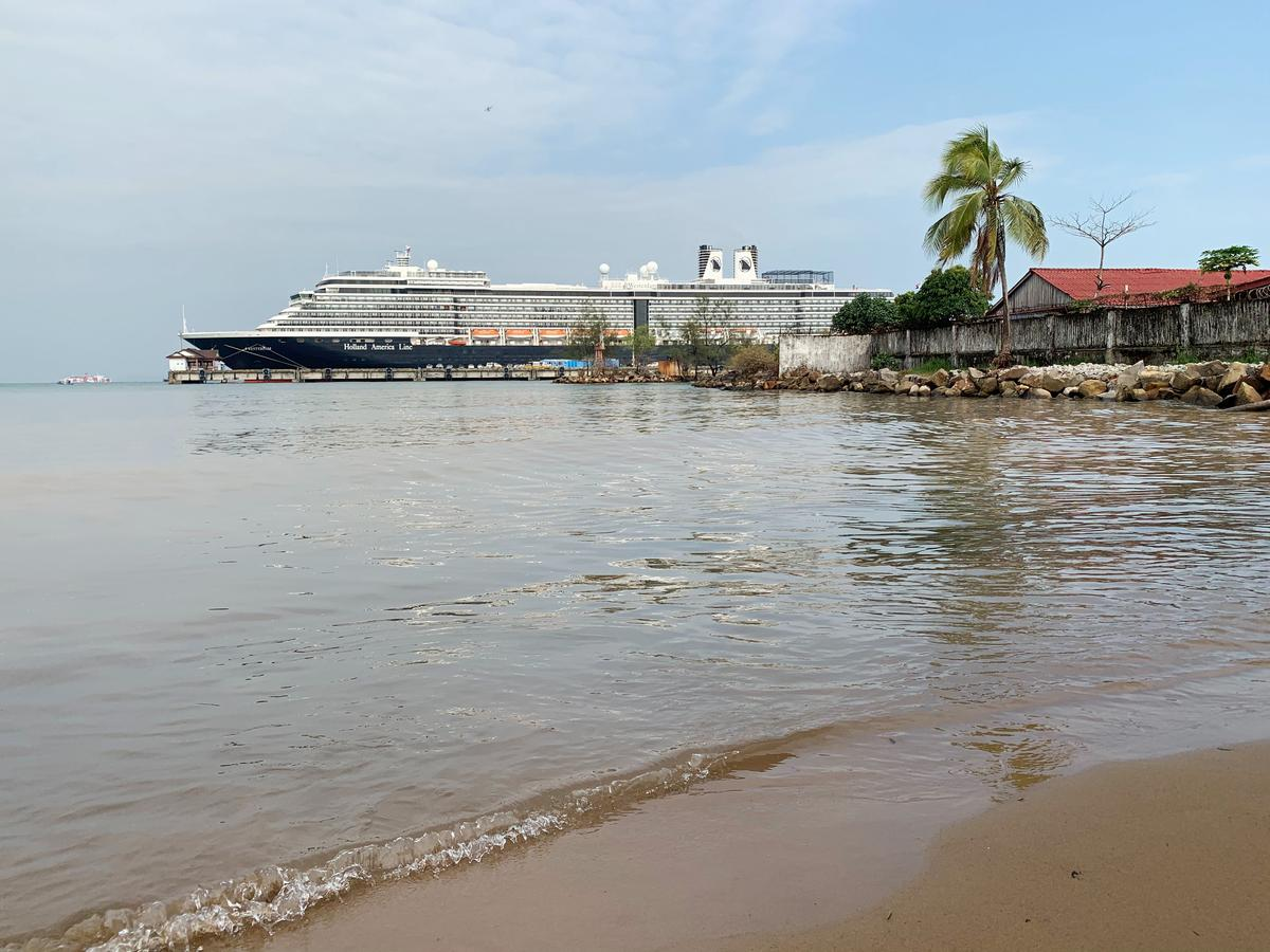 More passengers to leave cruise ship in Cambodia after coronavirus tests