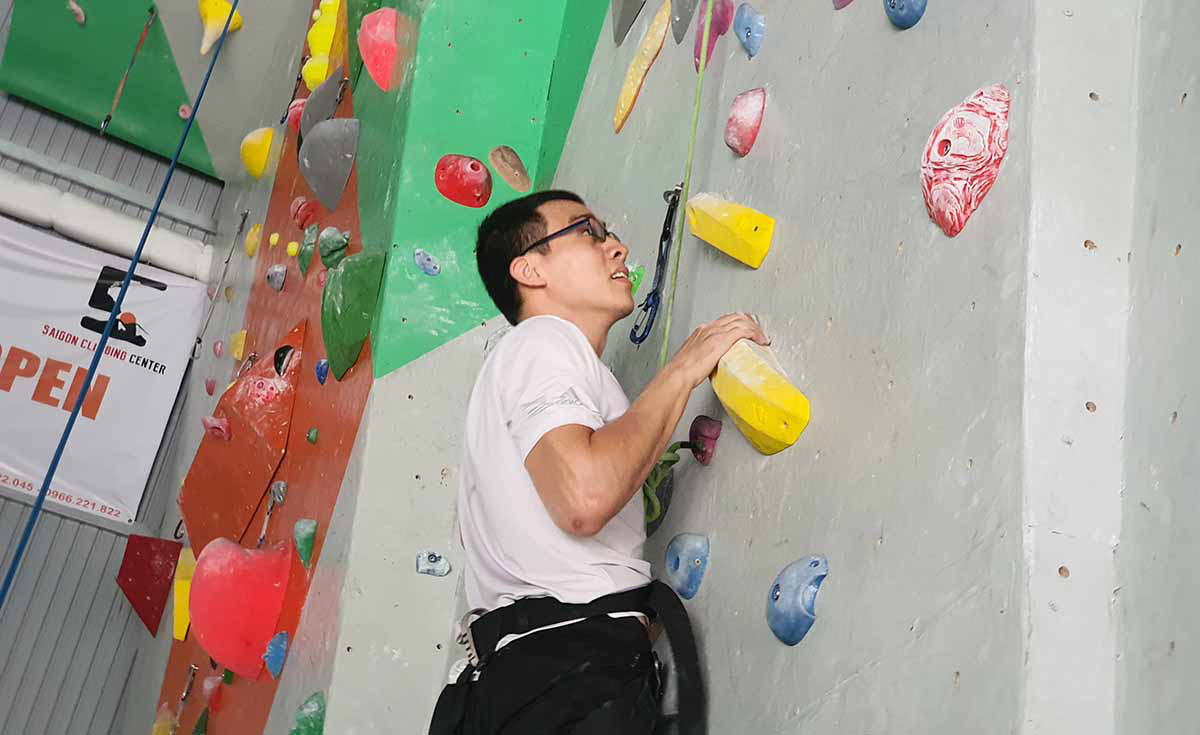 Rock climbing scales in popularity among Saigon youth