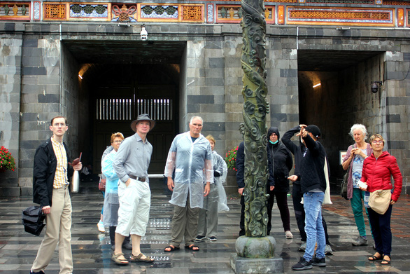 Tourists visit the Hue Imperial Citadel in the north-central Vietnamese province of Thua Thien-Hue, February 16, 2020. Photo: Thien Dieu / Tuoi Tre