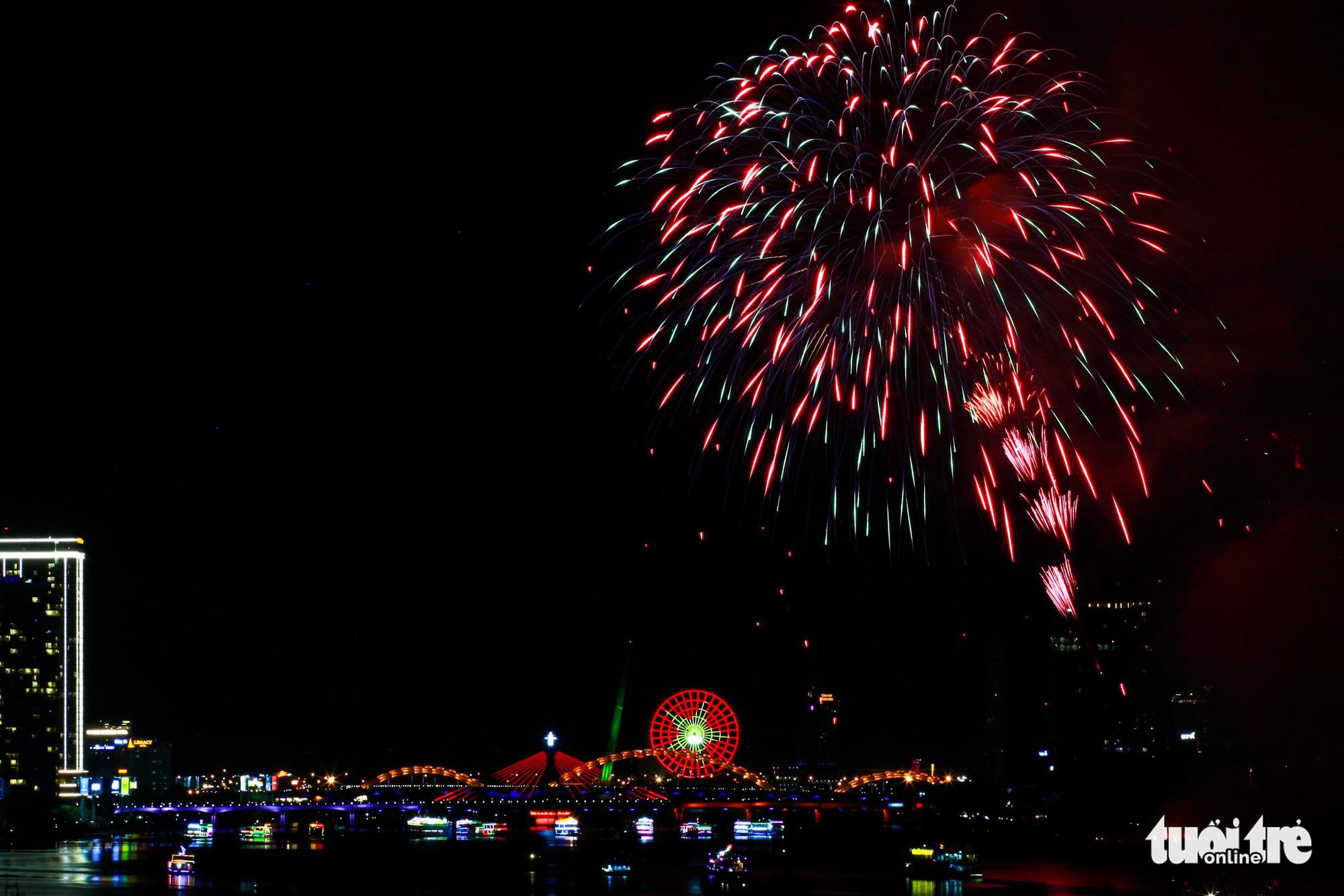 Da Nang cancels 2020 fireworks festival due to COVID-19