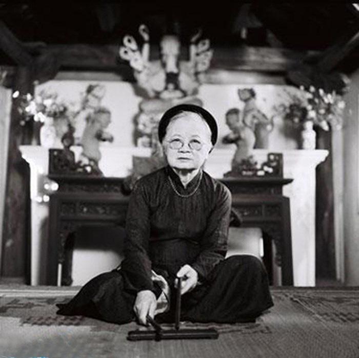 Vietnamese 'ca tru' artist Pho Thi Kim Duc is in this file photo.