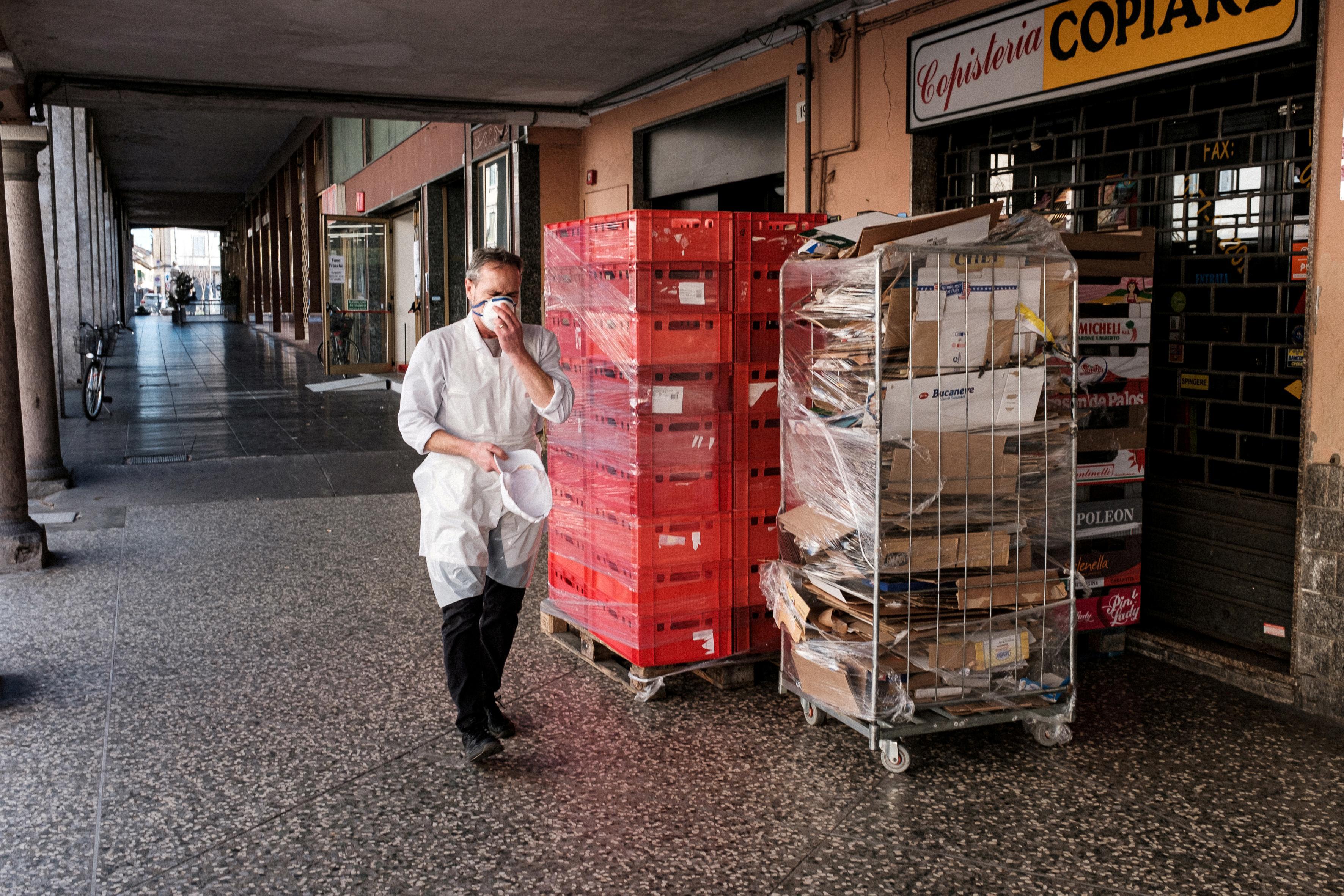 As coronavirus slams Italy, paralysis and anxiety spread