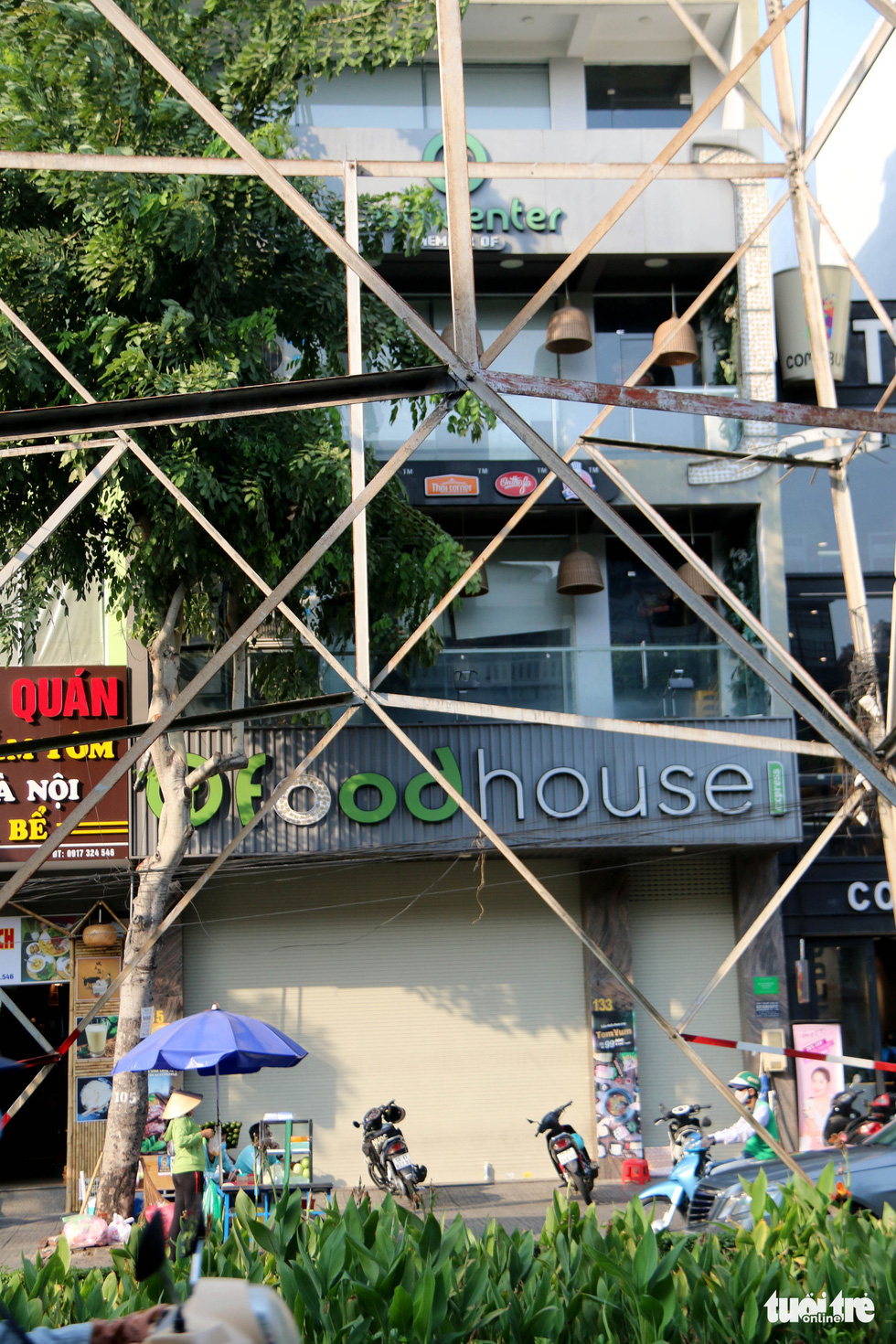 A location of the Food House restaurant franchise is shuttered on Phan Xich Long Street in Phu Nhuan District, Ho Chi Minh City. Photo: Ngoc Hien / Tuoi Tre