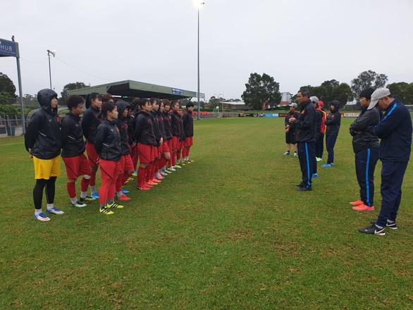 Vietnamaim low against Australiain Tokyo 2020 women's football qualifyingplay-offs