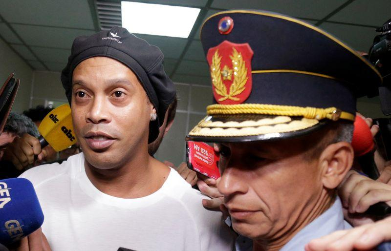 Soccer: Judge rules Ronaldinho must remain in Paraguayan jail