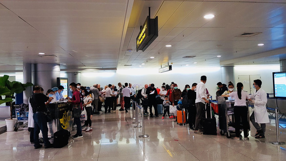 8 foreigners test positive for COVID-19 in Vietnam