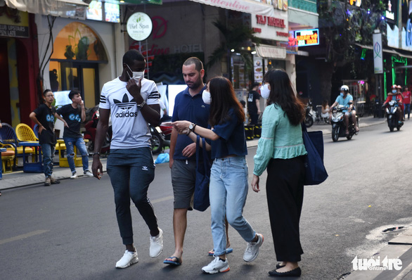 COVID-19 school closure takes toll on expats' mental health in Vietnam