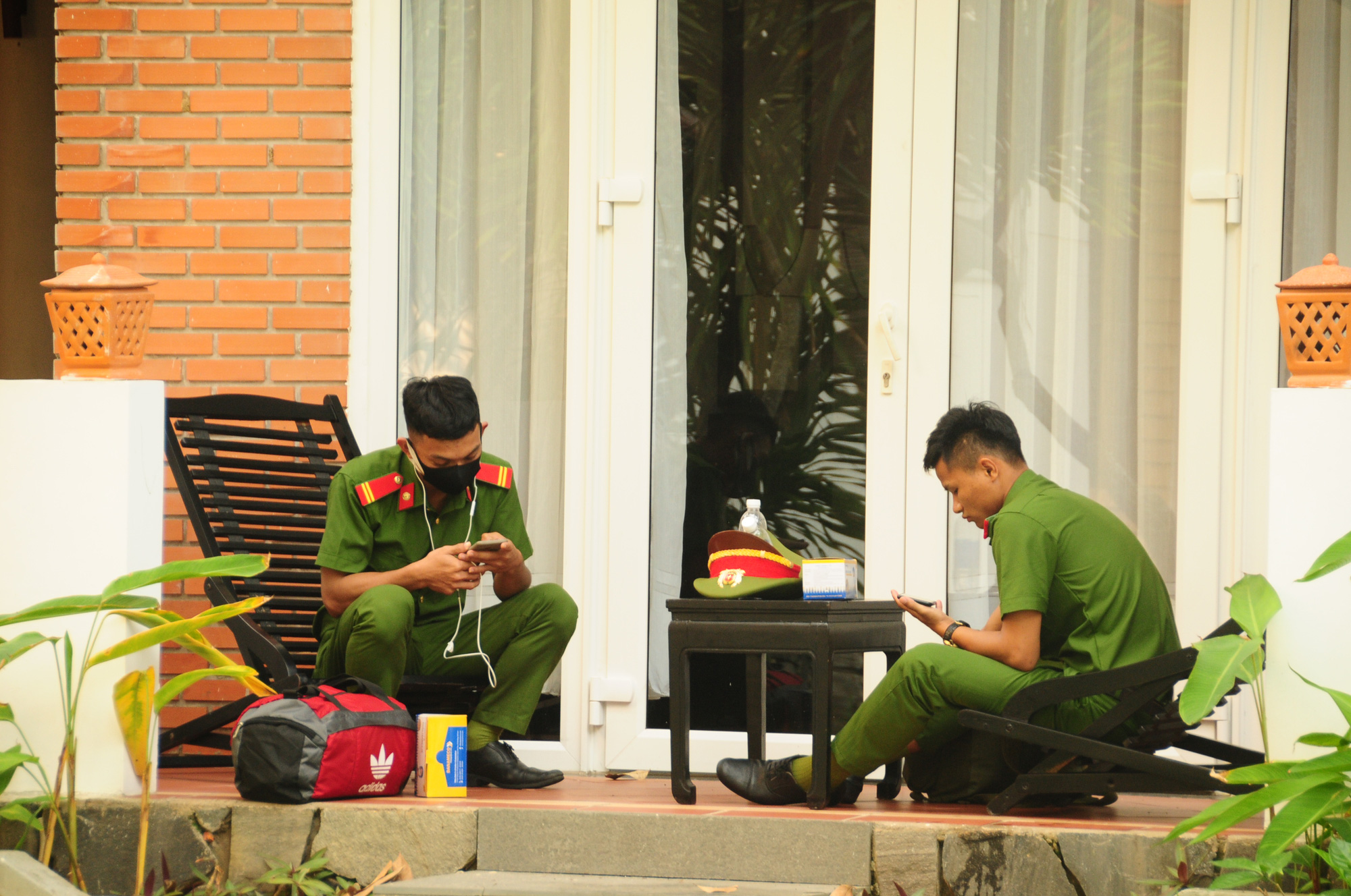 Police officers are on duty at the Hoi An Beach Resort in Quang Nam Province, Vietnam. Photo: B.D. / Tuoi Tre