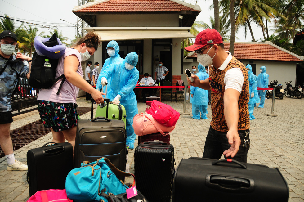 Foreigners treated to 4-star quarantine resort in Hoi An