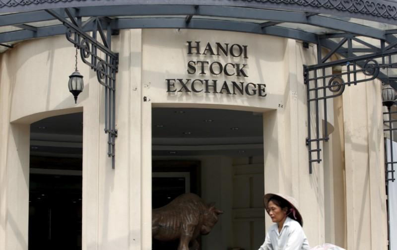 Vietnam to cut, exempt state-regulated securities fees to help market: finance ministry