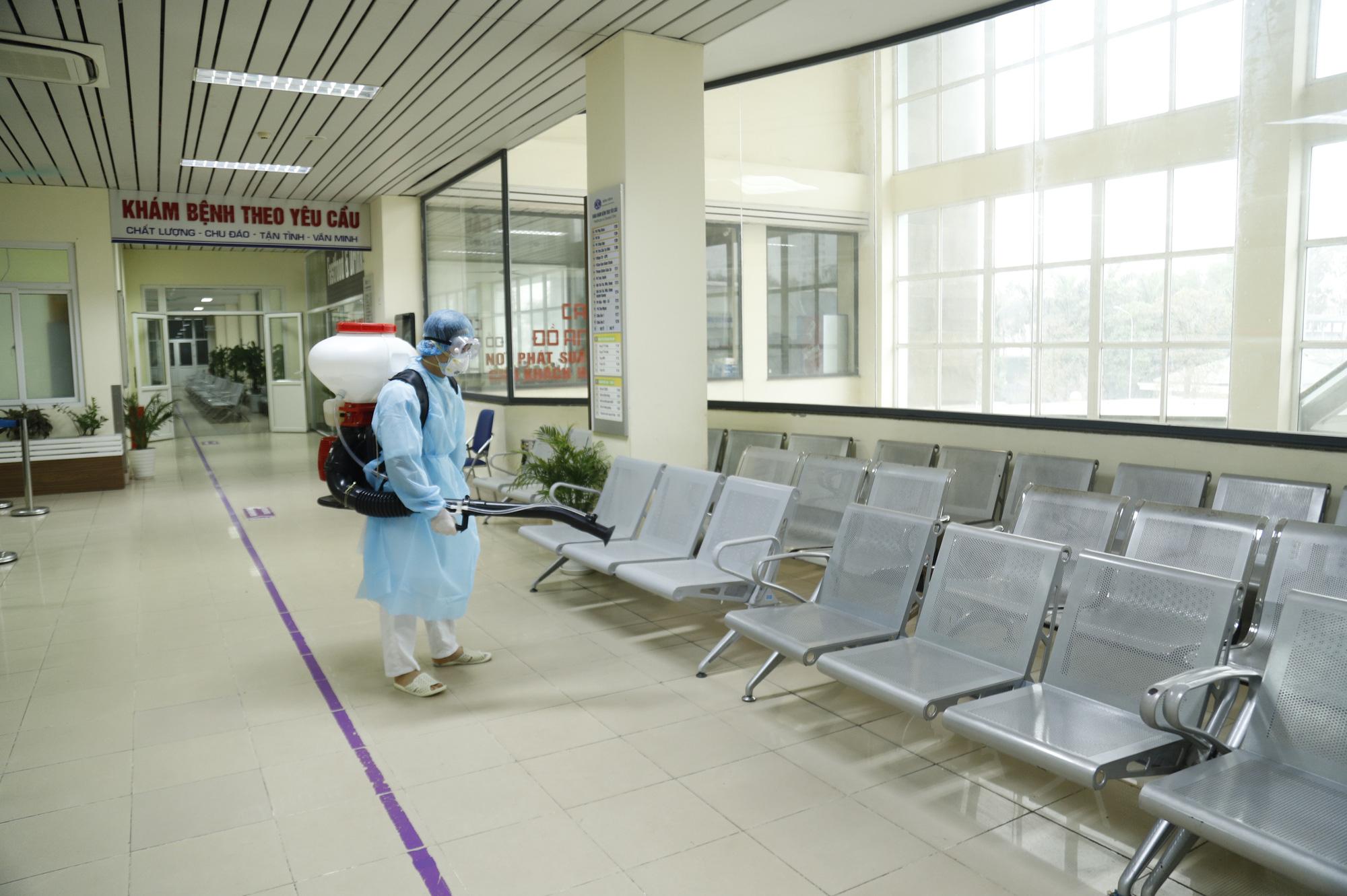 Vietnam calls up medical students, retired doctors in coronavirus fight