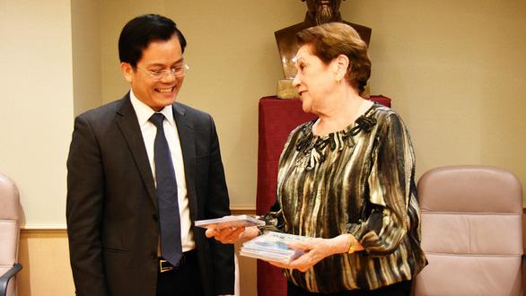 Ambassador of Vietnam to the United States Ha Kim Ngoc (left). Photo: Yen Ba / Tuoi Tre