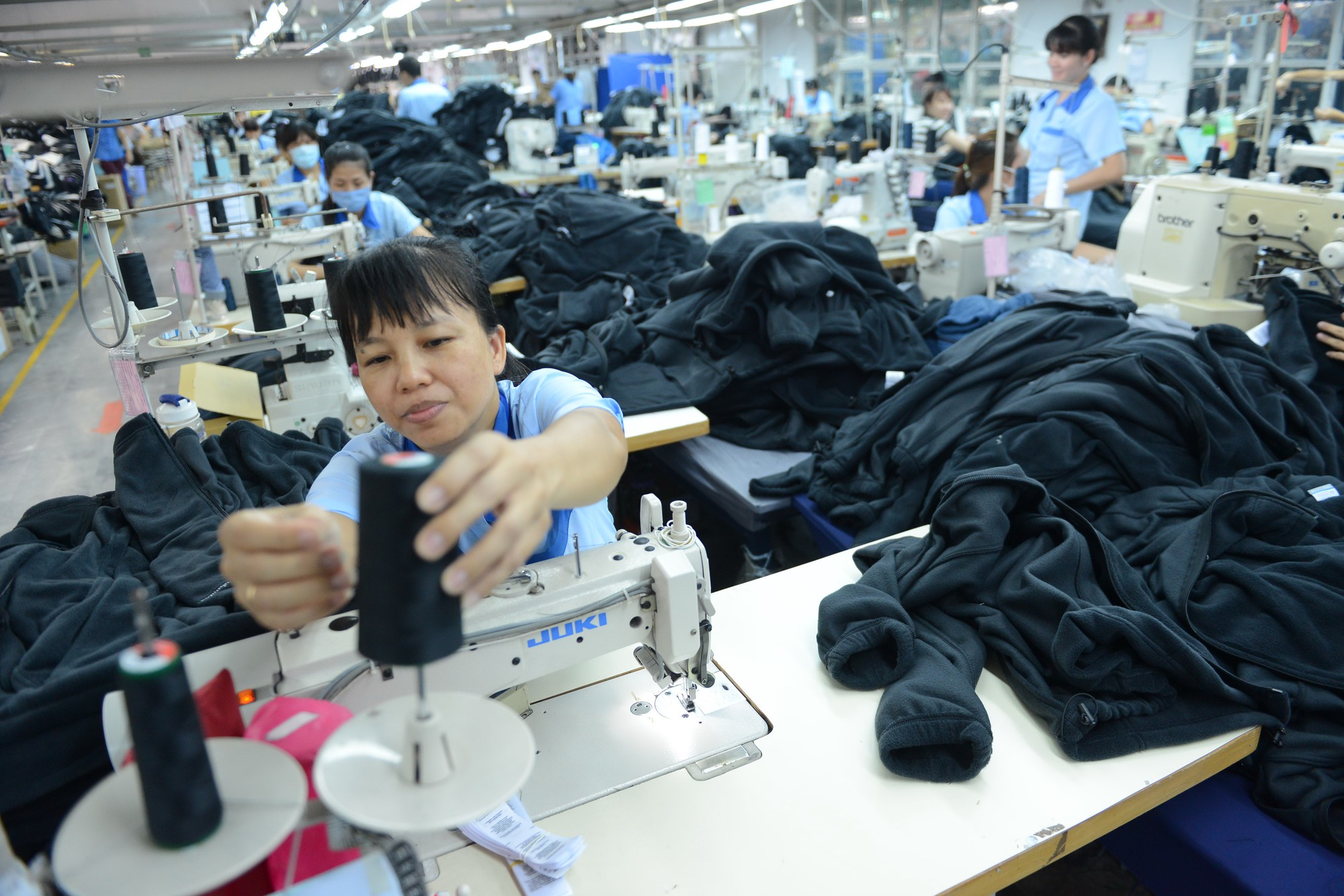 EU passes final procedure for free trade agreement with Vietnam